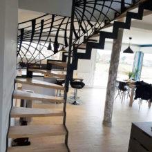 Escalier maison moderne grand angle